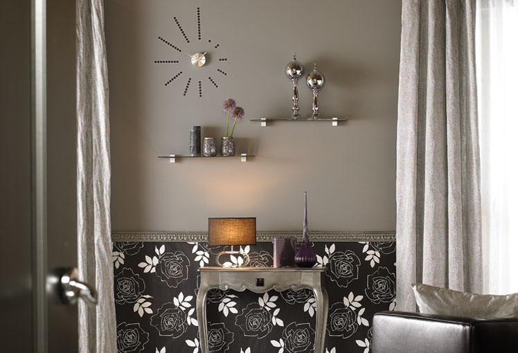 Un muro o al color de la tela de tus muebles cmo combinar - Combinar papel pintado y pintura ...