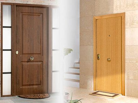 Puertas de entrada pisos y unifamiliares leroy merlin - Puertas rusticas exterior leroy merlin ...
