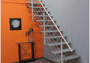 por ltimo las los pasamanos y vidrios protectores para la parte inferior de la barandilla completarn tu escalera