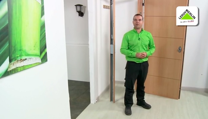 Casa residencial familiar como instalar una puerta de for Instalar puerta corredera