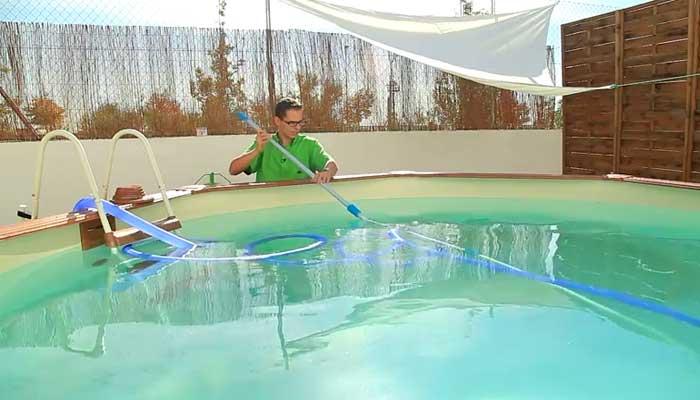 C mo poner a punto tu piscina leroy merlin for Calcular volumen piscina