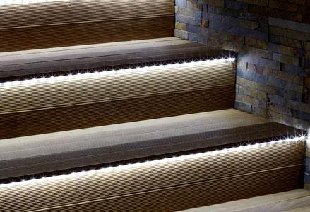 Casas cocinas mueble motores para puertas de garaje abatibles - Iluminacion led escaleras ...