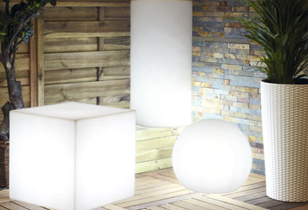 Qu zona quieres iluminar leroy merlin for Luces para jardin sin cables