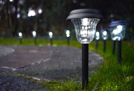 Productos y consejos leroy merlin for Iluminacion solar para jardin