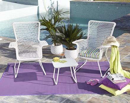 Protege tus muebles de exterior leroy merlin for Bancos de jardin leroy merlin