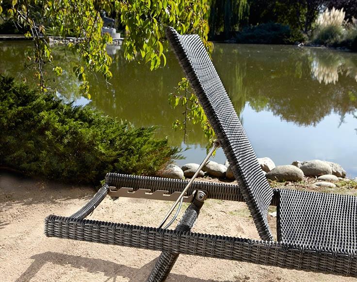 Tumbona aluminio y rat n sint tico iker ref 16566844 for Leroy merlin prato sintetico