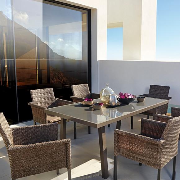 Mesa de acero y vidrio guadiana ref 17251003 leroy merlin for Mesa y sillas terraza leroy merlin