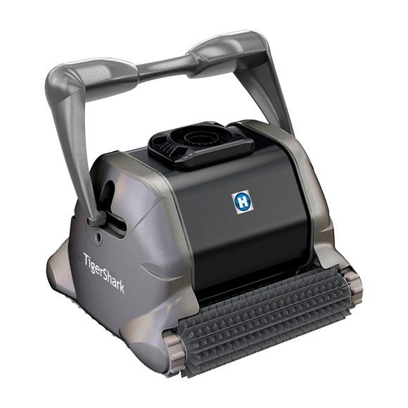 Robot limpiafondos de piscina qp tiger shark ref 12758725 for Limpiafondos piscina leroy merlin