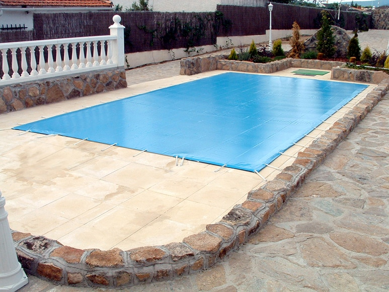 Cubierta de piscina cubierta invierno a medida ref for Piscinas hinchables leroy merlin