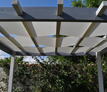 Toldo de 4 x 0 81 m ondulado blanco ref 16762984 leroy merlin - Toldos rafia ...