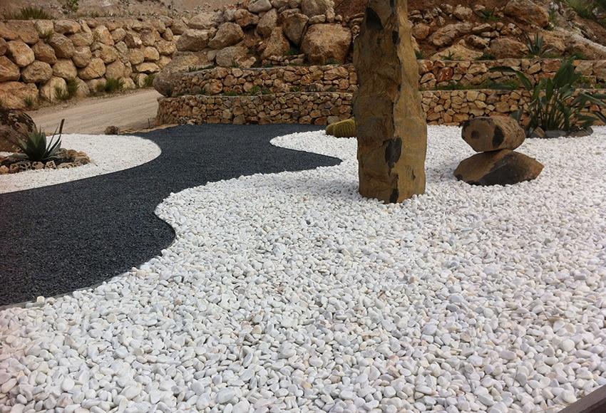 Canto rodado blanco de grosor 25 40 mm arisac canto rodado - Fuentes para jardin leroy merlin ...