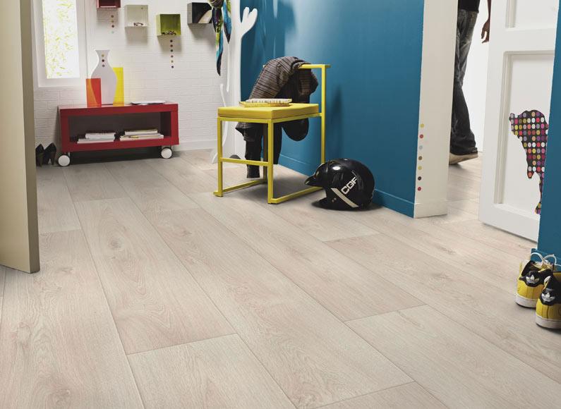 suelo de vinilo tarkett intenso exclusive oak ivory ref 19129733 leroy merlin. Black Bedroom Furniture Sets. Home Design Ideas