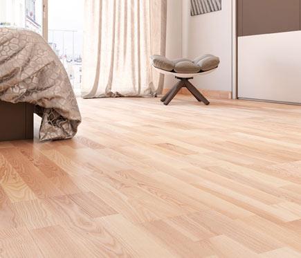 Suelo de madera aero fresno ref 14988001 leroy merlin for Suelo madera leroy merlin