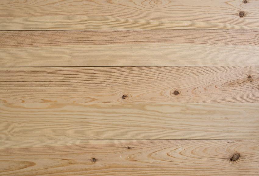 Suelo de madera pino natural nudos l ref 12883402 leroy for La beta de la madera