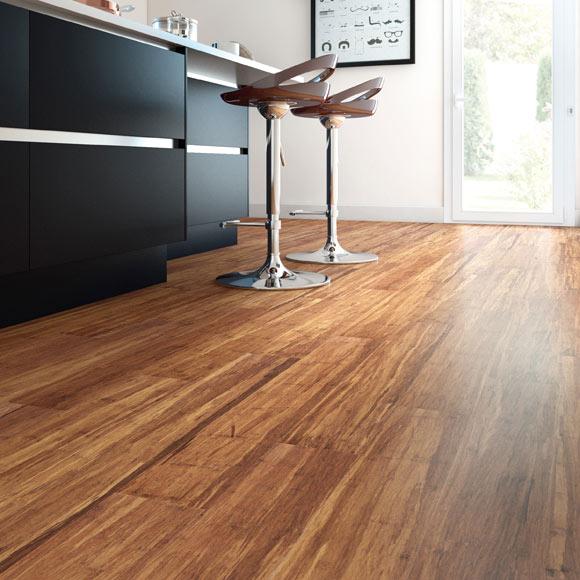 Suelo de madera premium bamb strong cafe ref 17928085 - Suelo madera leroy merlin ...