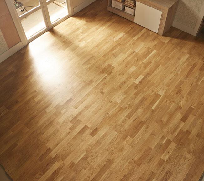 Suelo de madera roble satinado ref 81876876 leroy merlin for Tejados de madera leroy merlin