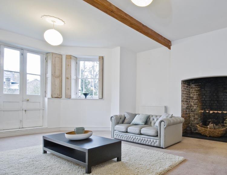 Pintura blanca para interior luxens monocapa mate ref for Pintura satinada blanca para puertas