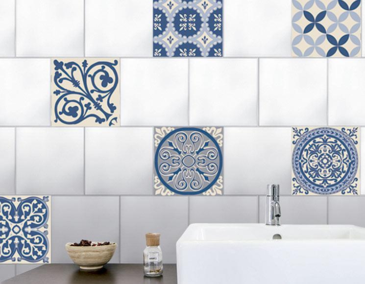 Vinilo decorativo azulejo azul ref 81865600 leroy merlin for Vinilos azulejos bano leroy merlin
