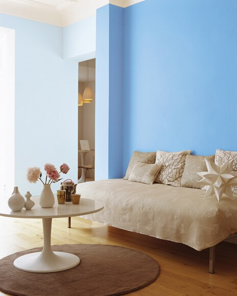 Colores del mundo mediterraneo azul natural bruguer for Pintura beige pared