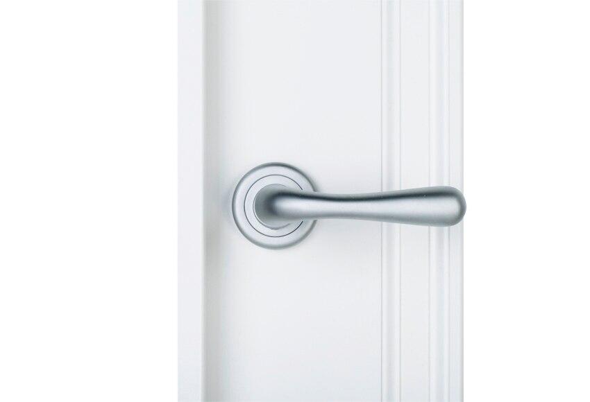 Calcular financiaci n for Puerta lacada blanca con cristal