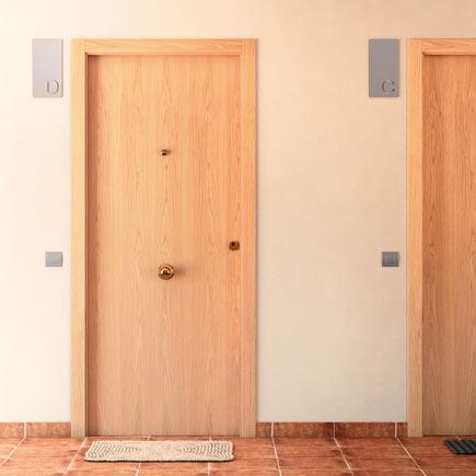 Puerta de entrada blindada lisa roble blanca ref 16146375 - Puerta blindada blanca ...
