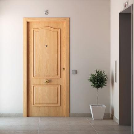 Puerta de entrada blindada provenzal roble ref 15003653 leroy merlin - Aislar puerta entrada piso ...