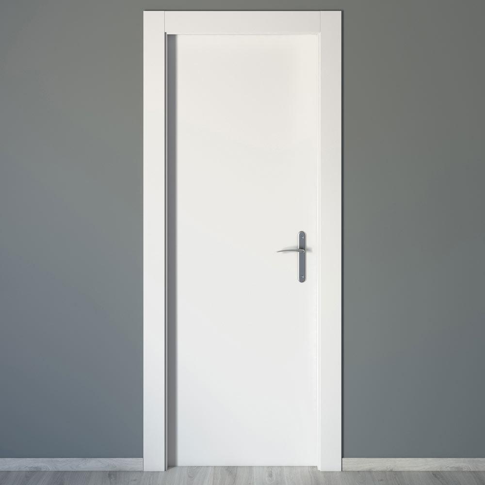 Puerta de interior mallorca blanca ref 16777432 leroy for Puertas madera blancas