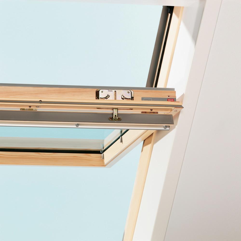 ventana de techo velux giratoria manual de madera t rmica ggl 3059 ref 16960146 leroy merlin. Black Bedroom Furniture Sets. Home Design Ideas