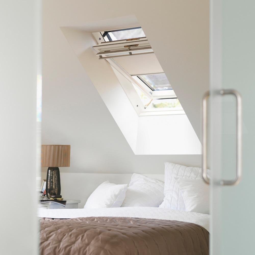 cortina ventana de techo velux manual beige dkl 1085 oscurecimiento ref 12914734 leroy merlin. Black Bedroom Furniture Sets. Home Design Ideas