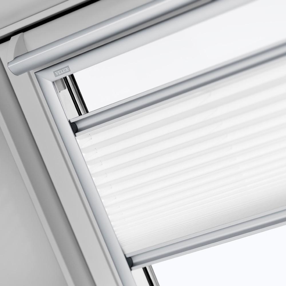 cortina ventana de techo velux manual blanca fhl 1016 plisada ref 16959376 leroy merlin. Black Bedroom Furniture Sets. Home Design Ideas
