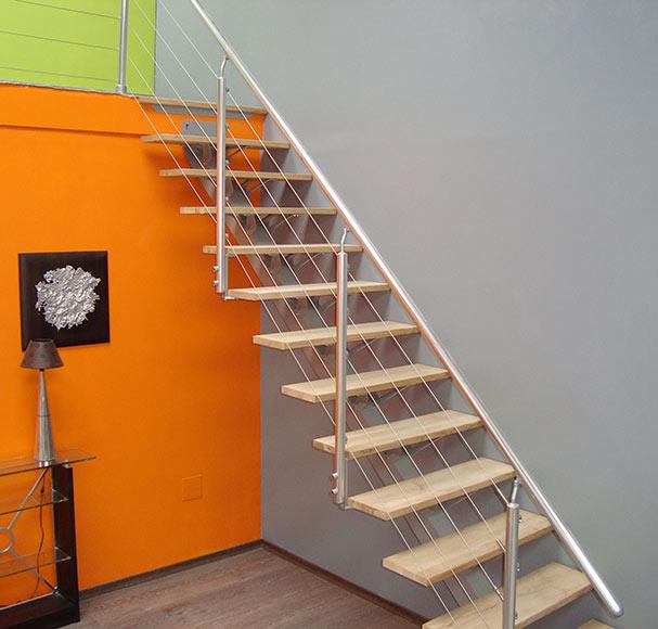 Escalera mono viga ref 14127764 leroy merlin for Barandillas escaleras interiores precios