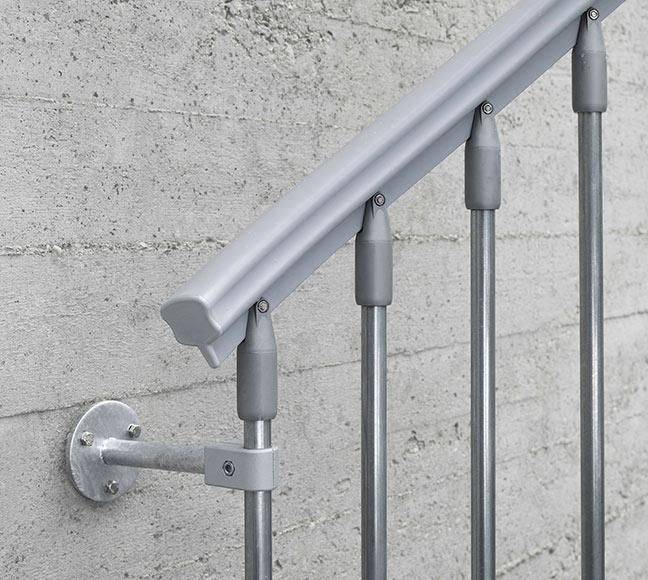 Escalera de caracol steelzink ref 14129766 leroy merlin for Escaleras interior leroy merlin