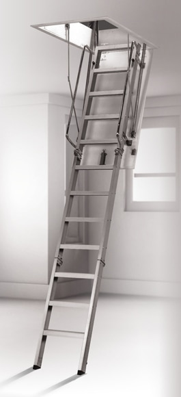 Escalera escamoteable aluminio ref 15119552 leroy merlin for Escaleras tres tramos