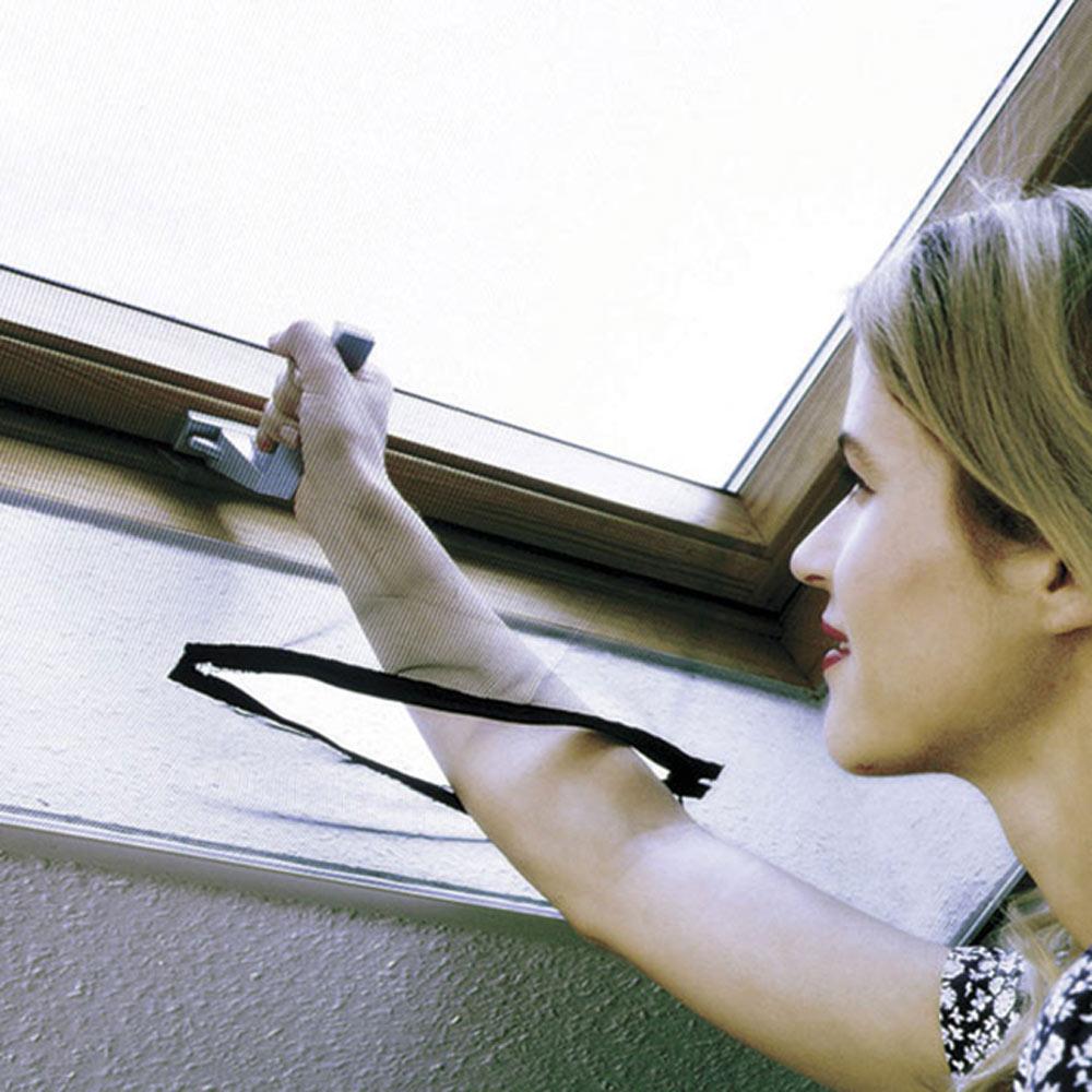 Mosquitera fija autoadherente ventana tejado ref 16852304 for Tejados de madera leroy merlin