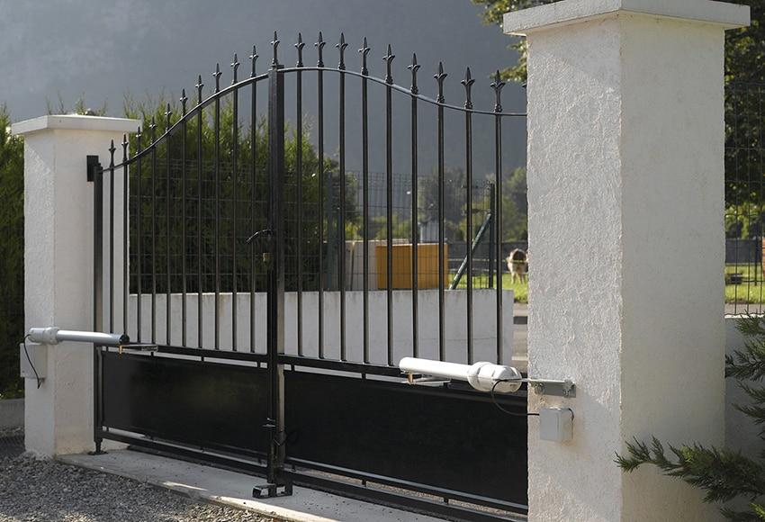 Motor para puerta batiente somfy sgs501 ref 15225315 - Puerta jardin leroy merlin ...