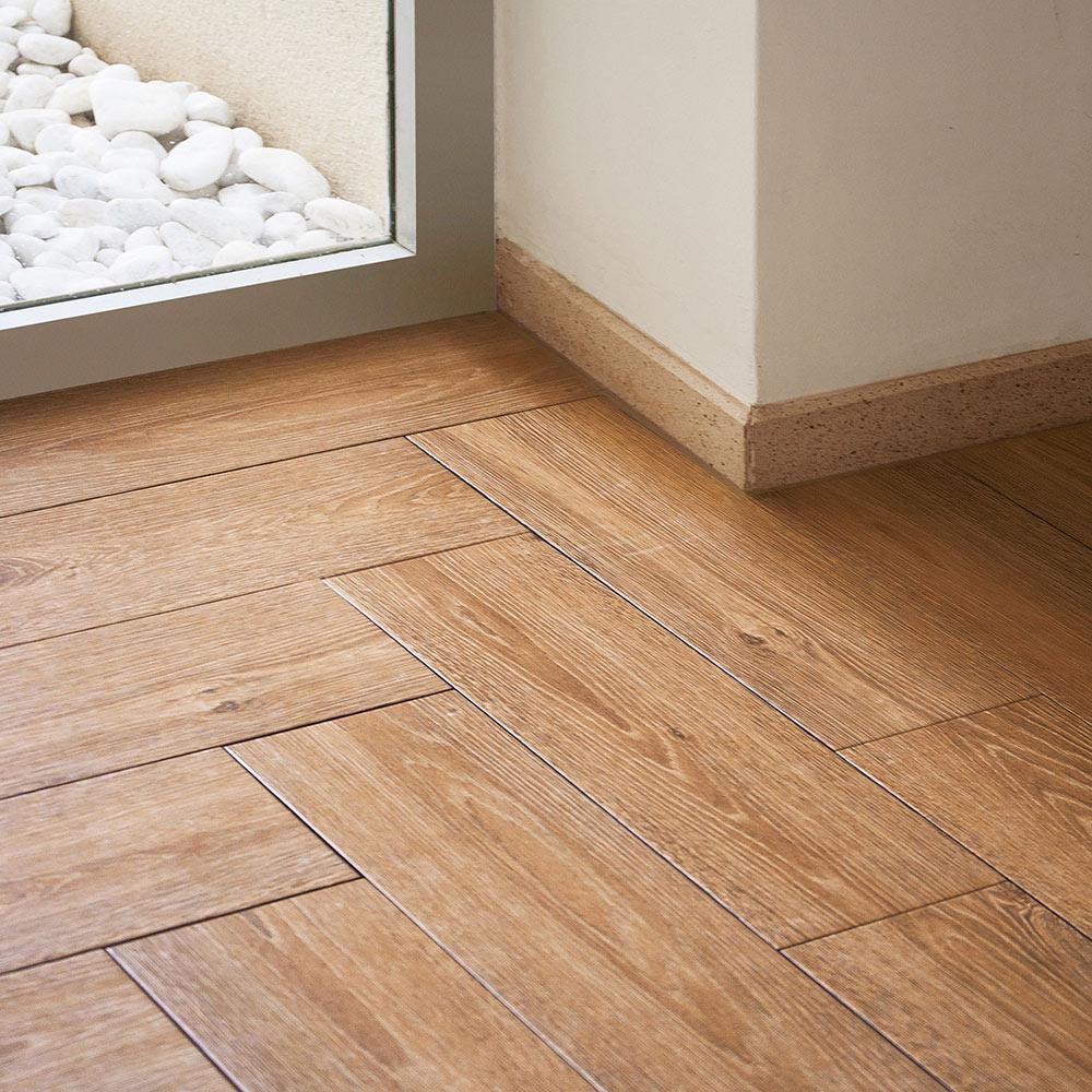 Pavimento 16x50 cm ocre serie madera ref 17004232 leroy - Tablon madera leroy merlin ...