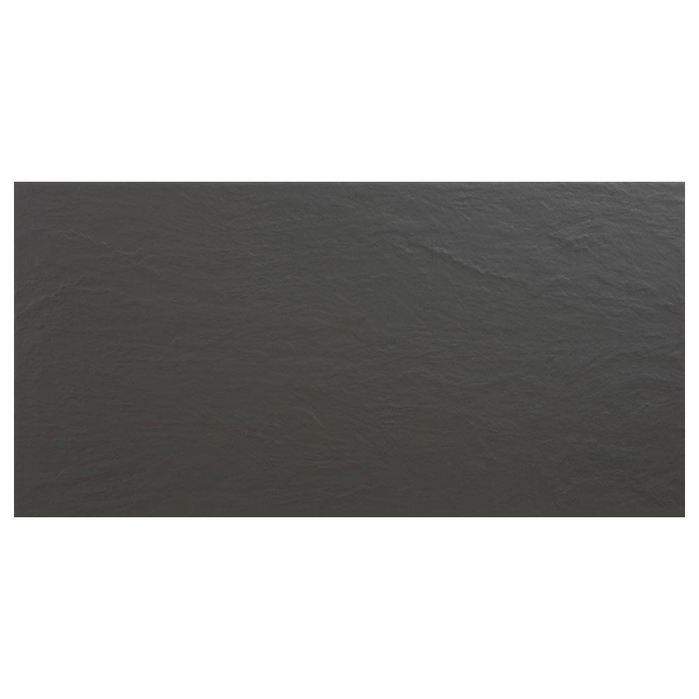 Revestimiento 30x60 cm negro antideslizante serie pizarra for Pizarra adhesiva leroy merlin