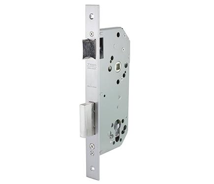 Cerradura para puerta de madera tesa 2030 2030 latonado for Cerraduras tesa leroy merlin