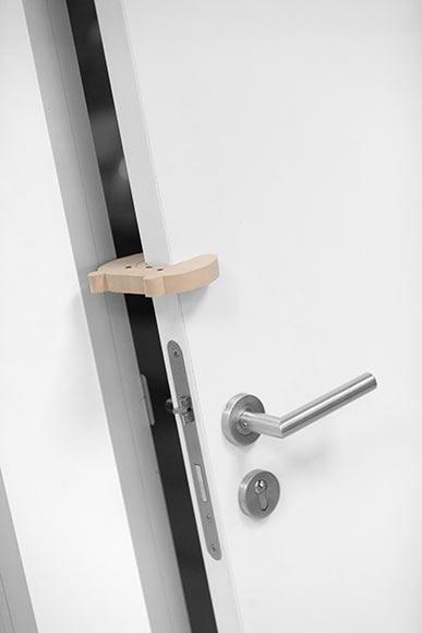 Tope puerta oso ref 18899090 leroy merlin - Topes puertas leroy merlin ...