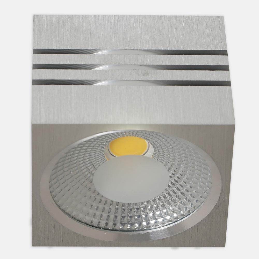 Foco led panama cuadrado aluminio ref 17463341 leroy merlin for Focos led exterior leroy merlin