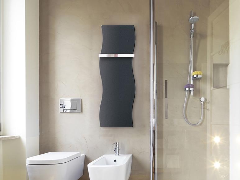 Radiador toallero decorativo de agua cicsa zeta flat apis - Radiador toallero agua leroy merlin ...