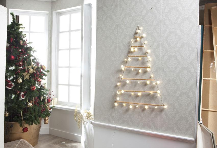 Rbol luminoso de 48 luces blancas c lidas 60x90cm ref for Luces de navidad leroy merlin