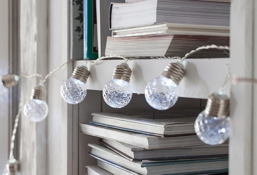 Guirnalda de luces led con forma de bombilla de 1 05m ref for Luces de navidad leroy merlin
