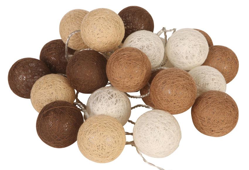 Guirnalda de bolas blancas y marrones 24 luces 4 6m ref for Guirnalda de luces bolas